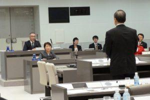 百条委員会で小松久子議員が質疑